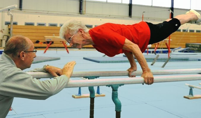 OLD GYMNAST - PLANCHE
