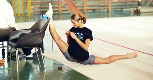 STRETCHING – WHAT DOES IT TAKE TO BECOME FLEXIBLE LIKE A GYMNAST ?